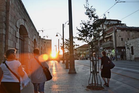 bajada-del-sol-en-calle-iaffo-cma